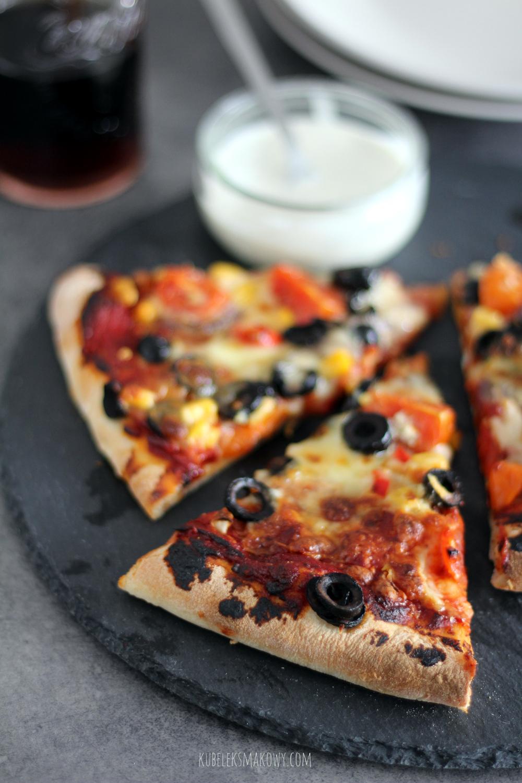 domowa pizza z kamienia - przepis i porady