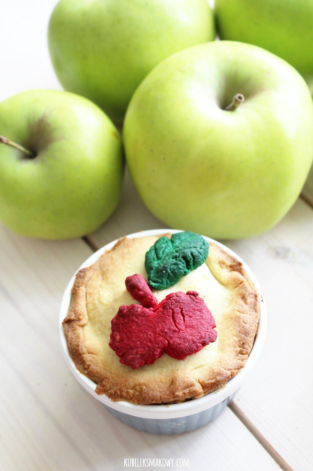 kruche ciasto z budyniem i jabłkami