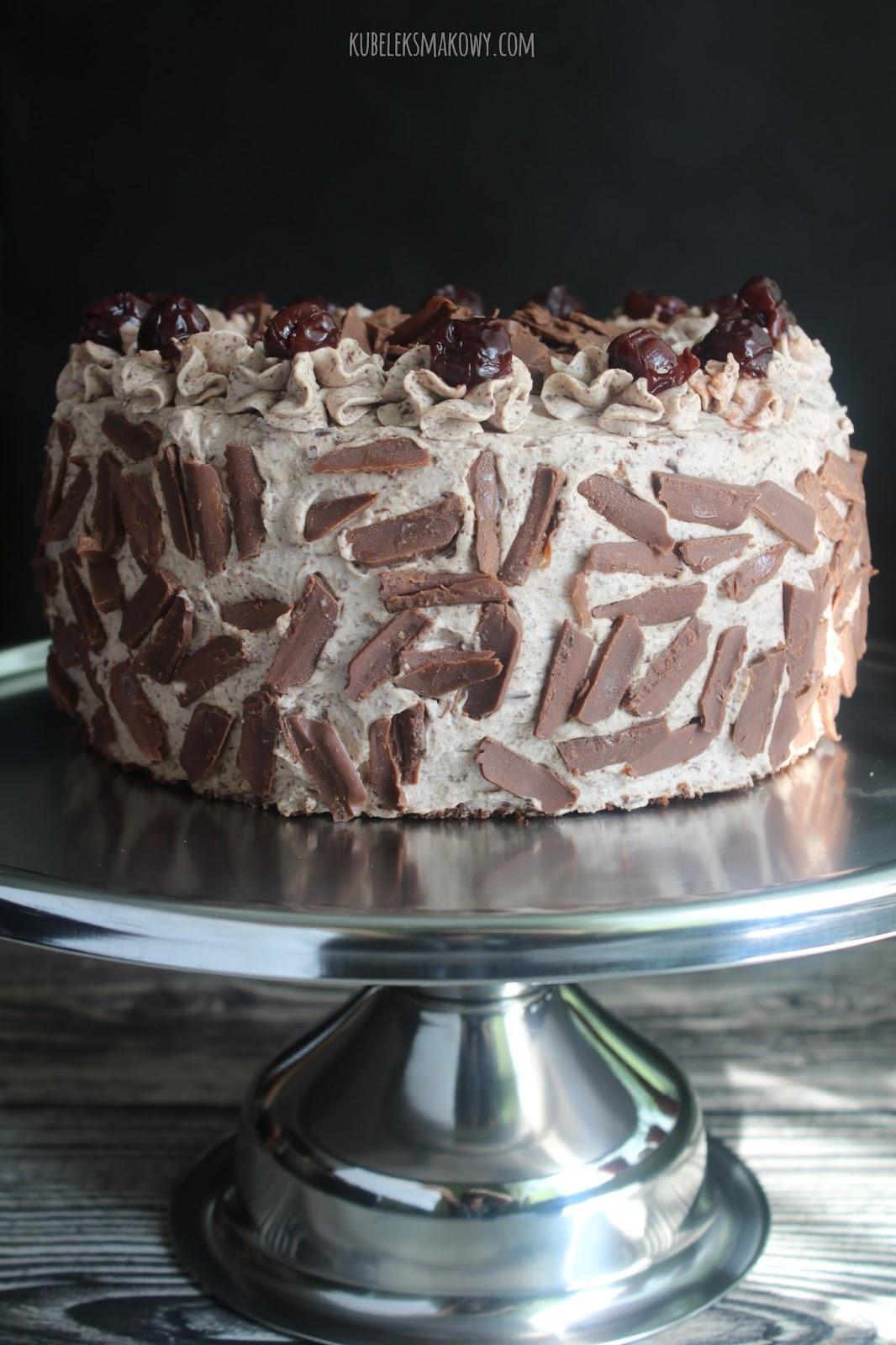 tort czekoladowy z wiśniami - przepis
