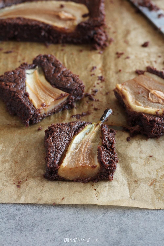 brownie z gruszkami - przepis