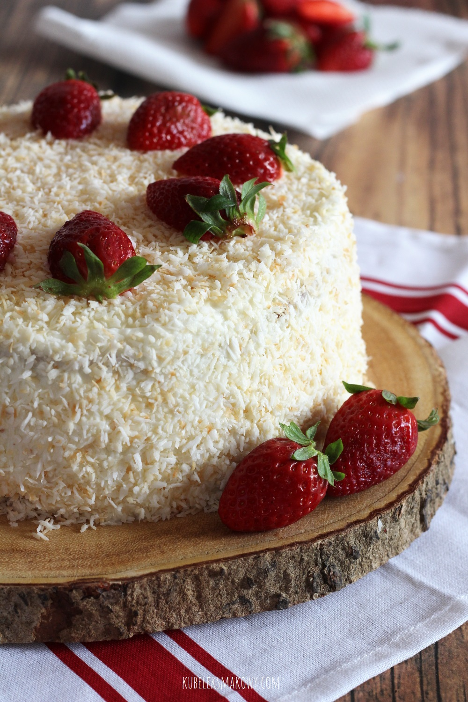 tort Raffaello z truskawkami - przepis