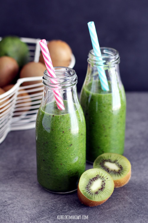 zielone smoothie ze szpinakiem, kiwi i melonem